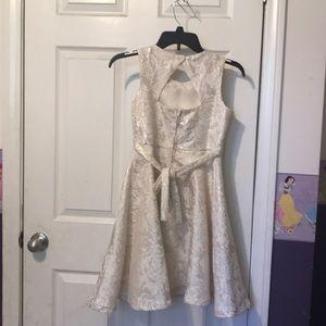 Rare Editions Dresses - Girl Flower dress .